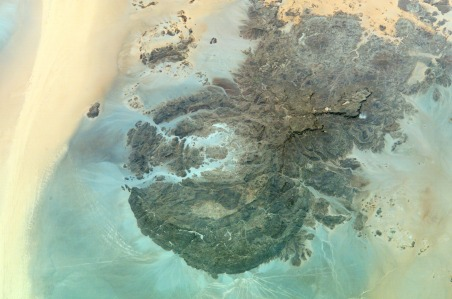 Country or Geographic Name: SUDAN Features: MT. UWEINAT, WIND STREAKS