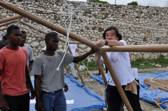 20-Shigeru-Ban-Paper-Shelter-Haiti-02